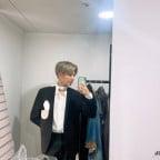 Taehyun Mirror Selfie 3